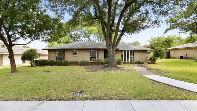 Photo 1 of 26 - 142 Bailey Dr, DeSoto, TX 75115