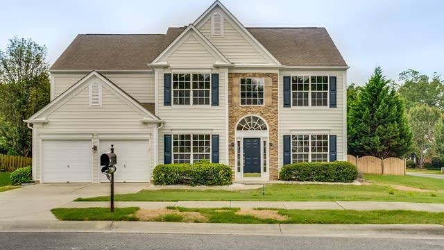 Photo 1 of 30 - 3804 Manor House Dr, Charlotte, NC 28270