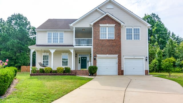 Photo 1 of 21 - 1006 Cantrell Ln, Apex, NC 27502