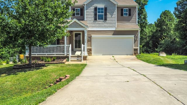 Photo 1 of 25 - 308 Farrington Dr, Clayton, NC 27520