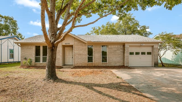 Photo 1 of 25 - 2233 Biscayne Dr W, Irving, TX 75060