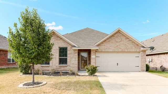 Photo 1 of 25 - 1524 Birds Eye Rd, Fort Worth, TX 76131