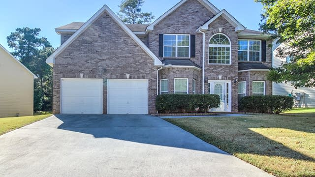 Photo 1 of 24 - 310 Buckingham Ln, Fairburn, GA 30213