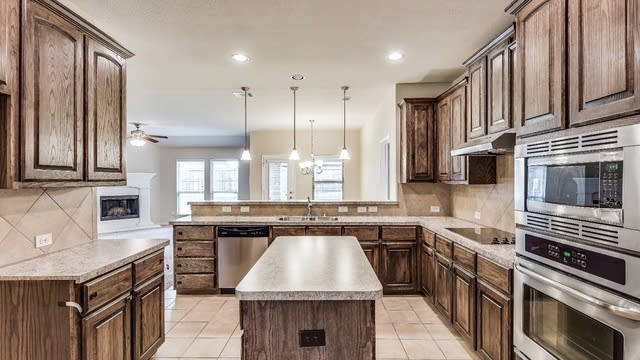 Photo 1 of 24 - 2005 Serenity Ave, Wylie, TX 75098