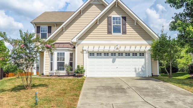 Photo 1 of 19 - 2107 Woodsdale Dr, Durham, NC 27703