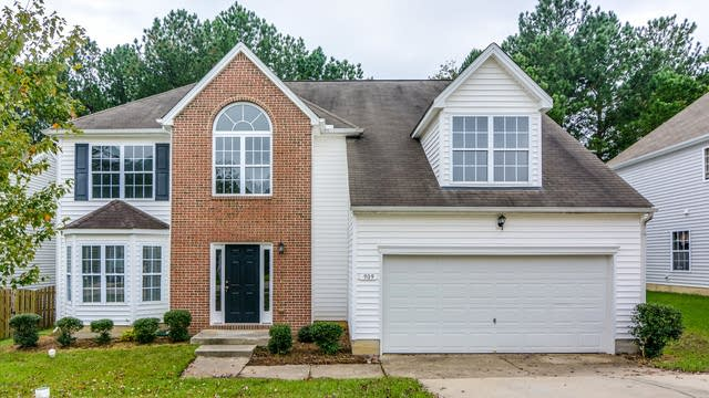Photo 1 of 20 - 909 Avent Meadows Ln, Holly Springs, NC 27540