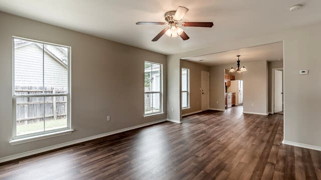 Photo 1 of 19 - 2830 Goldsmith St, San Antonio, TX 78203