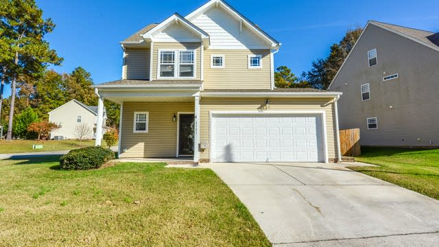 Photo 1 of 16 - 4701 Landover Dale Dr, Raleigh, NC 27616