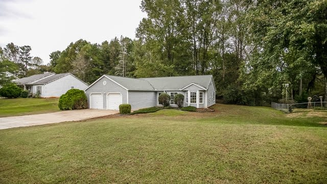 Photo 1 of 25 - 3782 Starlight Trl, Douglasville, GA 30135