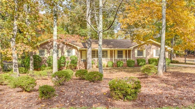 Photo 1 of 25 - 40 Hickory Dr, Stockbridge, GA 30281