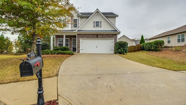 Photo 1 of 12 - 620 Cobblestone Cir, Canton, GA 30114