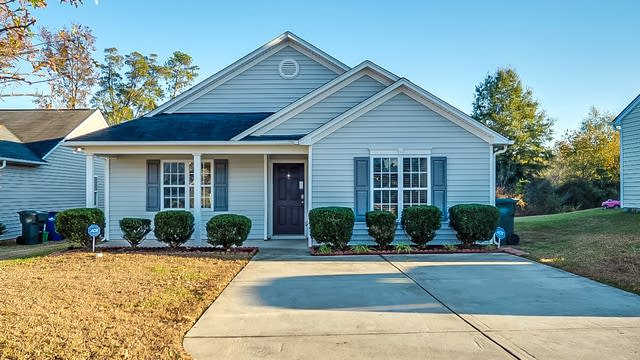 Photo 1 of 17 - 1413 Springshire Ct, Raleigh, NC 27610