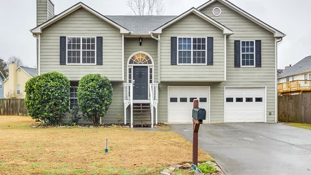 Photo 1 of 15 - 1027 Pepper Cir NW, Acworth, GA 30101