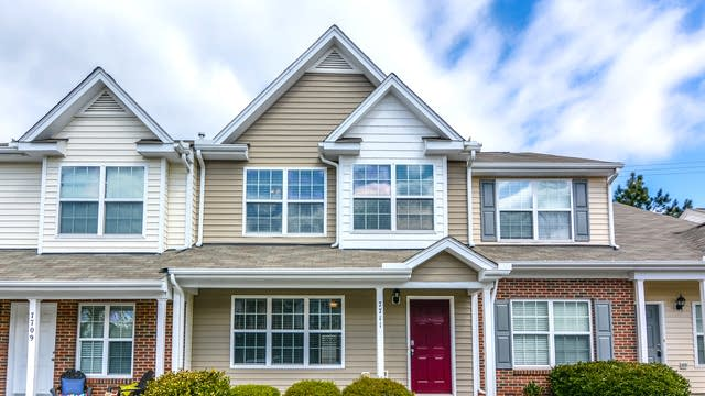 Photo 1 of 24 - 7711 River Field Dr, Raleigh, NC 27616
