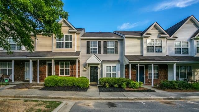 Photo 1 of 18 - 2022 McNeil Paper Ct, Charlotte, NC 28214