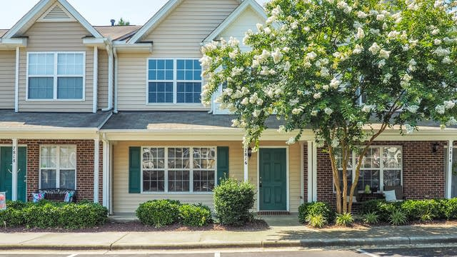 Photo 1 of 19 - 7816 Averette Field Dr, Raleigh, NC 27616