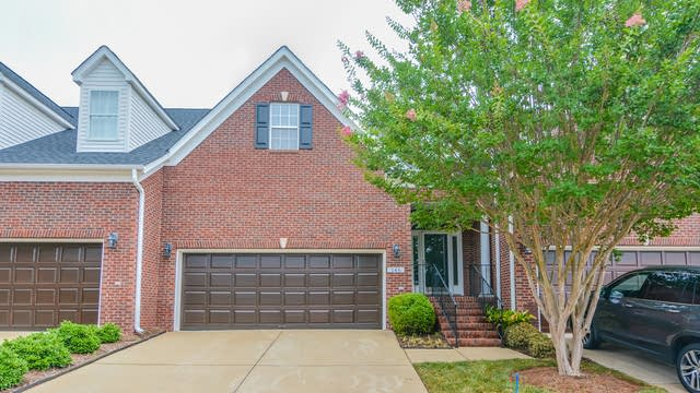 Photo 1 of 23 - 146 Prestonian Pl, Morrisville, NC 27560