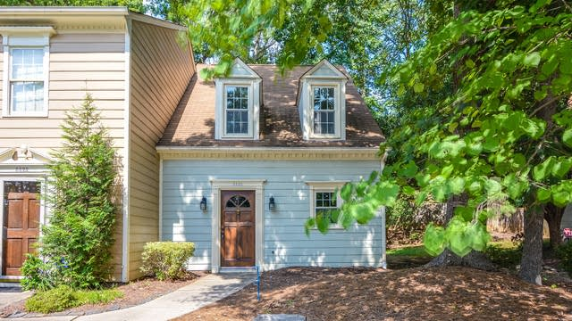 Photo 1 of 10 - 5520 Forest Oaks Dr, Raleigh, NC 27609