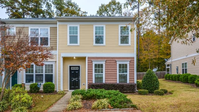 Photo 1 of 14 - 609 Elm Ave, Wake Forest, NC 27587