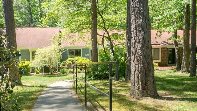 Photo 1 of 18 - 5815 Branchwood Rd, Raleigh, NC 27609