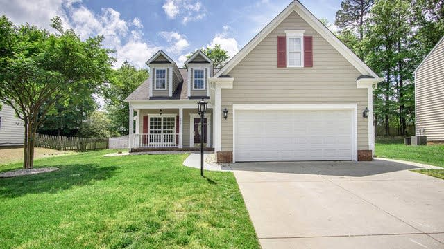 Photo 1 of 16 - 2915 Canary Ct, Charlotte, NC 28269