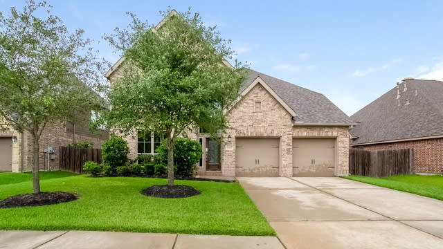 Photo 1 of 25 - 13511 Silent Walk Dr, Pearland, TX 77584