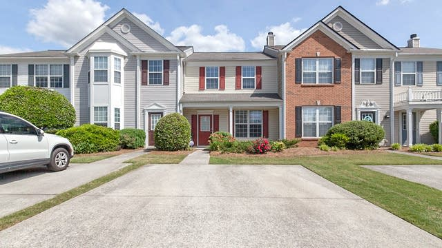 Photo 1 of 14 - 1734 Stanwood Dr NW, Kennesaw, GA 30152
