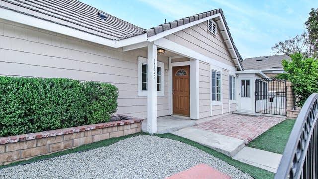 Photo 1 of 16 - 12290 Mint Ct, Rancho Cucamonga, CA 91739