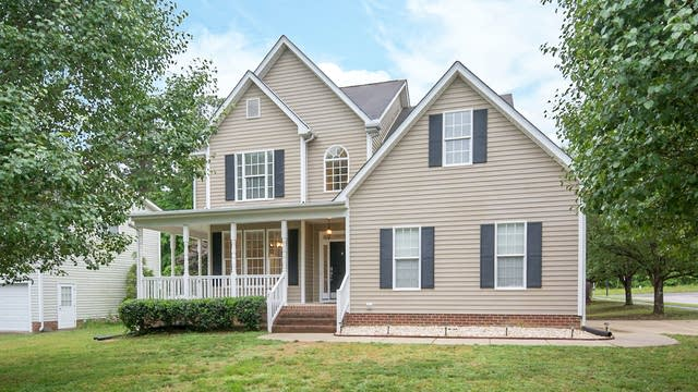 Photo 1 of 17 - 2 New Bedford Ct, Durham, NC 27704
