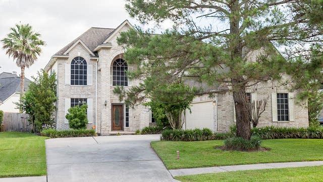 Photo 1 of 27 - 23980 Dorrington Estates Ln, Conroe, TX 77385