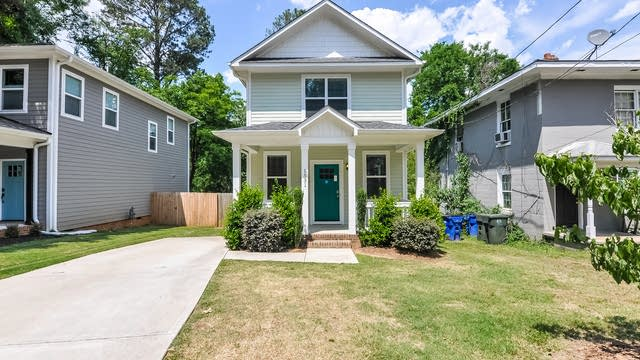 Photo 1 of 24 - 1531 Battery Dr, Raleigh, NC 27610
