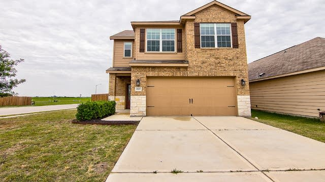 Photo 1 of 27 - 1601 Breanna Ln, Kyle, TX 78640