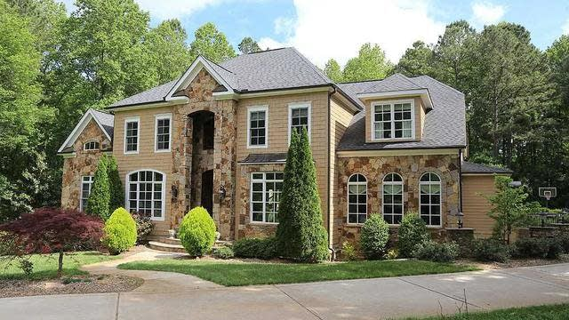 Photo 1 of 30 - 4912 Highland Park Ct, Raleigh, NC 27613