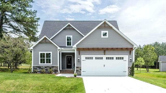 Photo 1 of 30 - 15 Moody Ln, Youngsville, NC 27596