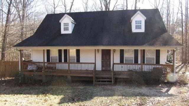 Photo 1 of 11 - 157 Ridgewood Rd, Youngsville, NC 27596