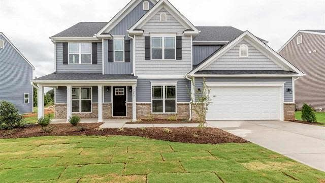 Photo 1 of 26 - 240 Shore Pine Dr, Youngsville, NC 27596