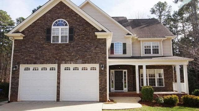 Photo 1 of 25 - 4311 Russling Leaf Ln, Raleigh, NC 27613