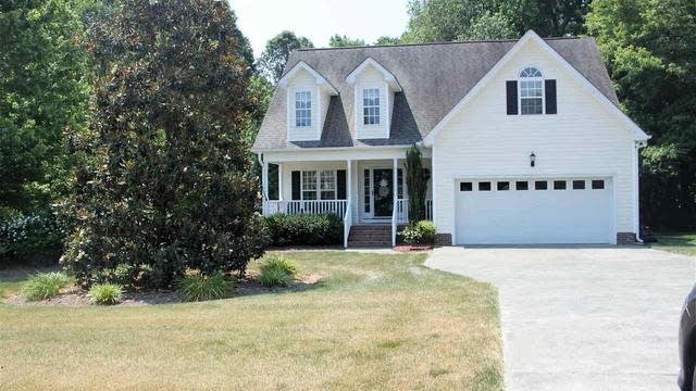 Photo 1 of 30 - 70 Old Stone Ln, Youngsville, NC 27596