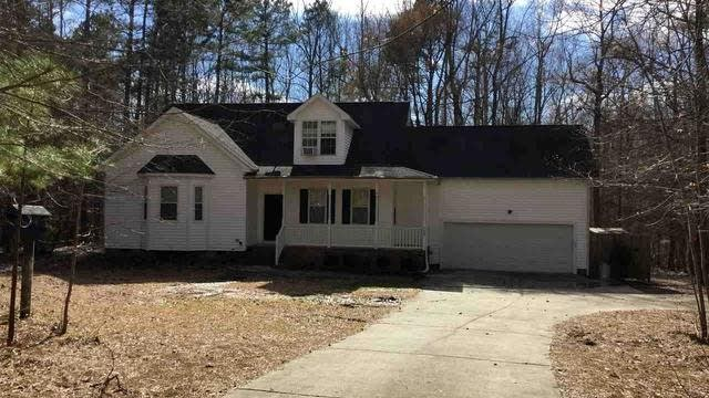 Photo 1 of 20 - 589 John Mitchell Rd, Youngsville, NC 27596