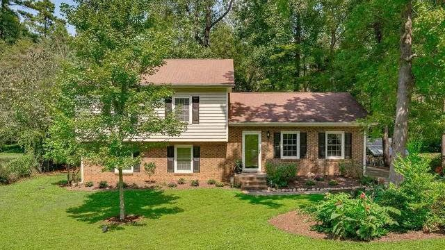 Photo 1 of 30 - 4336 Pickwick Dr, Raleigh, NC 27613