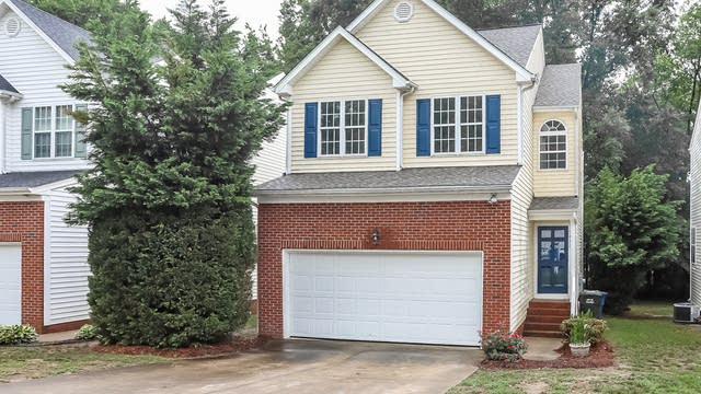 Photo 1 of 24 - 5412 Grand Traverse Dr, Raleigh, NC 27604