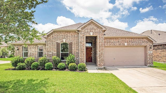 Photo 1 of 17 - 2734 Farlow Ln, Manvel, TX 77578