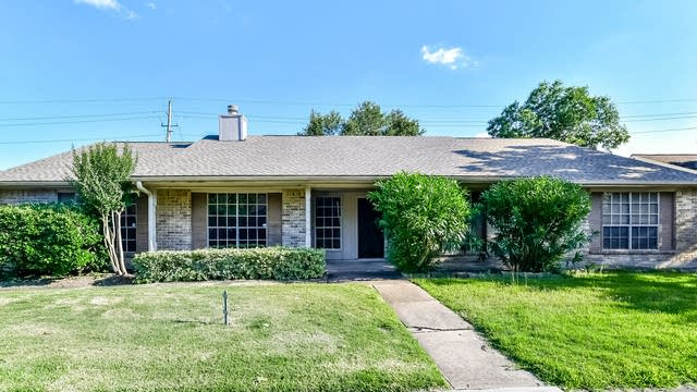 Photo 1 of 25 - 19411 Lazy Valley Dr, Katy, TX 77449
