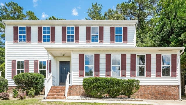Photo 1 of 25 - 1132 Penselwood Dr, Raleigh, NC 27604