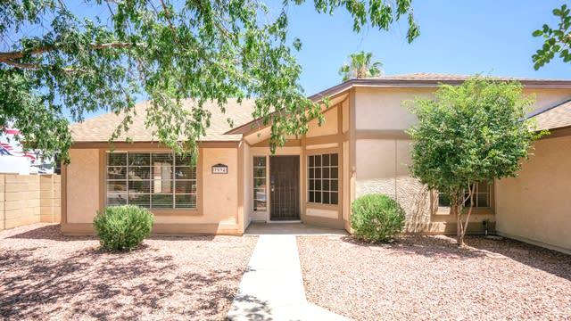 Photo 1 of 27 - 7934 W Surrey Ave, Peoria, AZ 85381