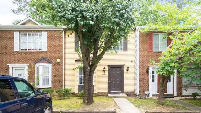 Photo 1 of 20 - 8132 McGuire Dr, Raleigh, NC 27616