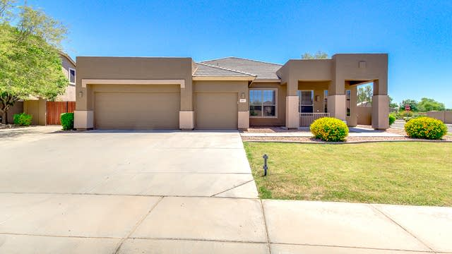 Photo 1 of 32 - 2887 E County Down Dr, Chandler, AZ 85249