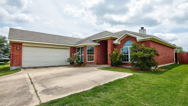 Photo 1 of 32 - 1243 Woodlands Dr, Kyle, TX 78640