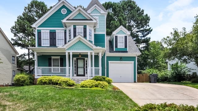 Photo 1 of 25 - 106 Forestcrest Ct, Apex, NC 27502