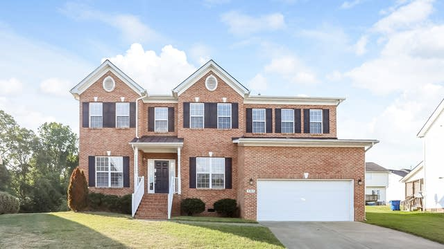 Photo 1 of 25 - 5305 Duckwing Dr, Raleigh, NC 27604